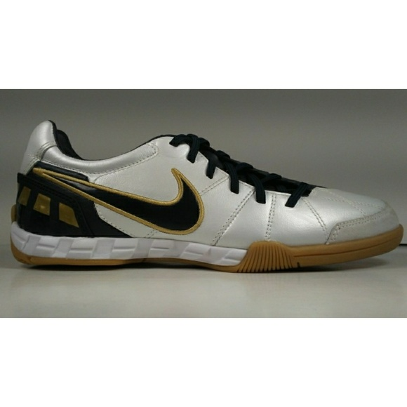 Nike Other - Rare 2009 Nike Total90 Shoot III L-IC Soccer Shoes